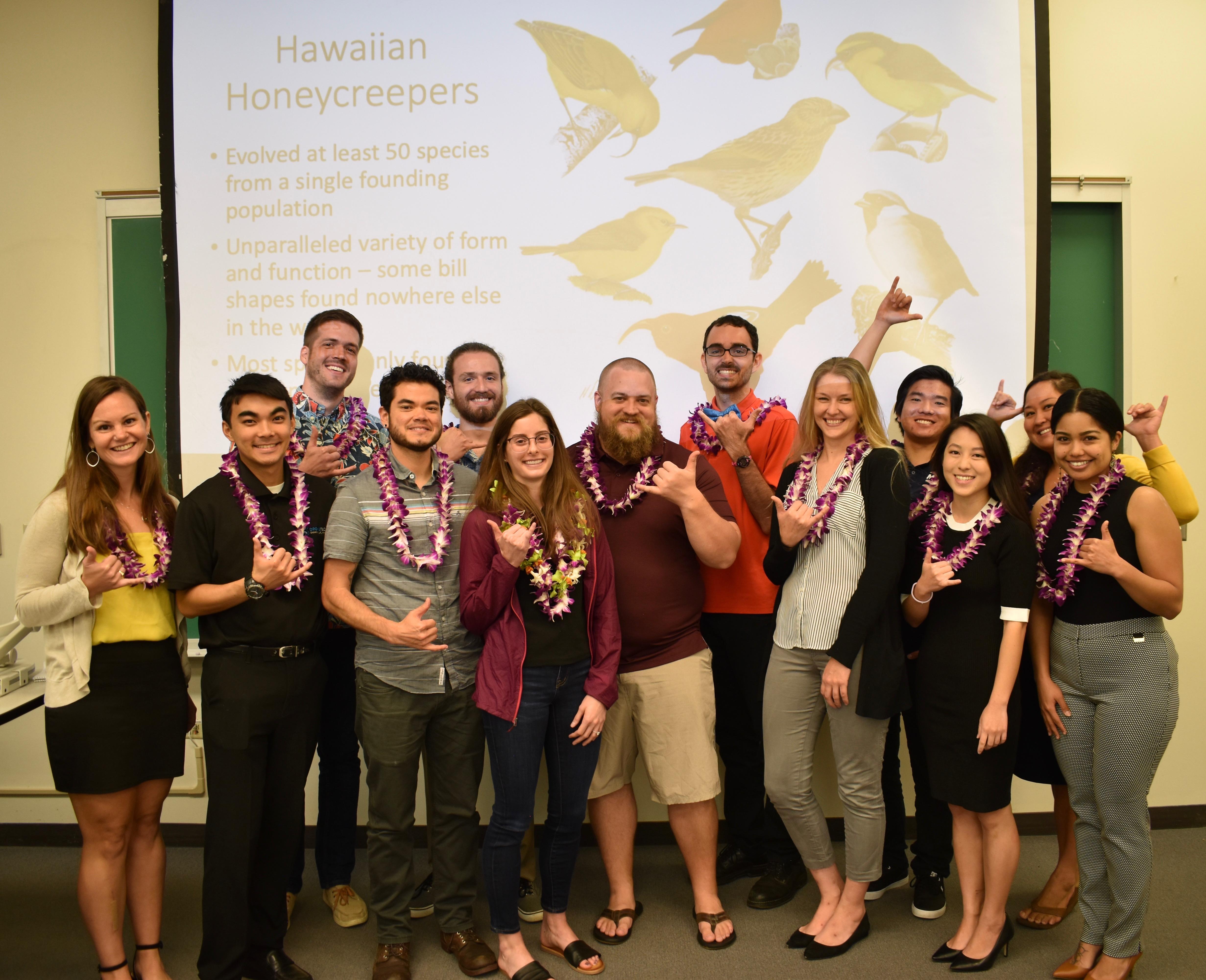 2019 ARCS Honolulu Scholars wearing lei